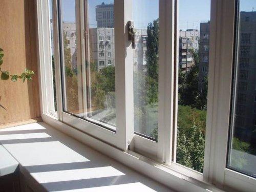 Выбираем балконную раму